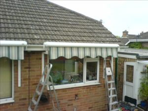 Folding arm awning on Bungalow